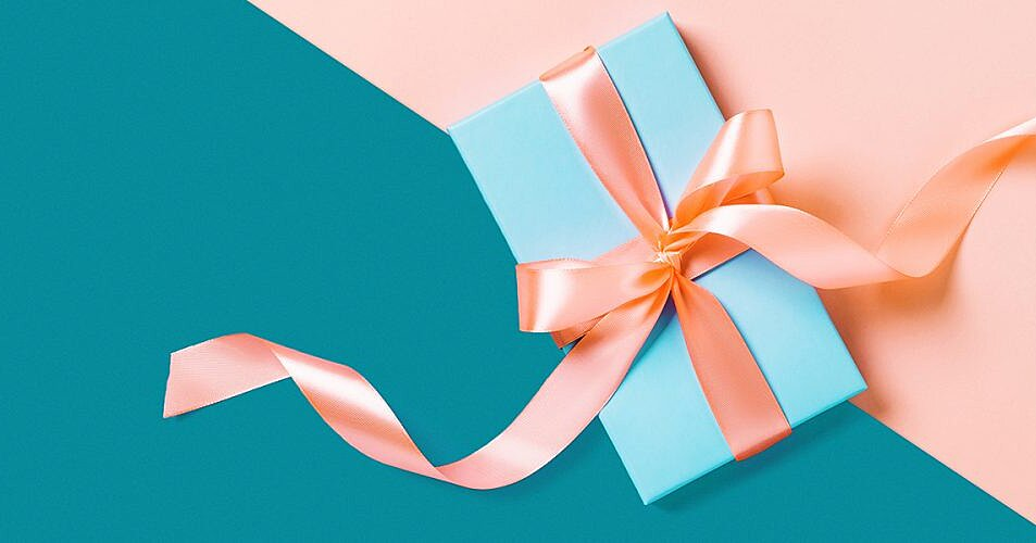 Selecting The Best Couples Gifts For Newly Engaged Couples